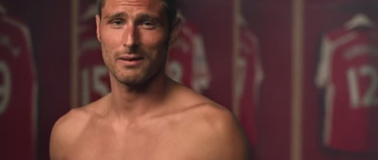 RainbowLaces: Footballers Lace Up To Fight Homophobia (VIDEO)