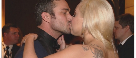 Lady Gaga Just Got Married To Taylor Kinney!