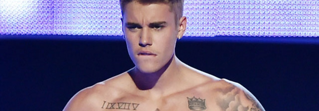 Justin Bieber Strips Down To His Calvins On Stage!