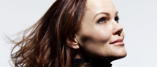 "Heaven on Earth: Belinda Carlisle Basks in the ""Sun"""