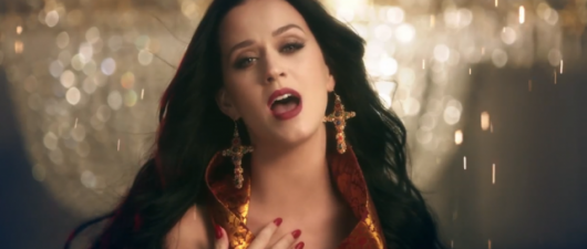 'Unconditionally' Video: Katy Perry's Owl Parties Are A Hoot