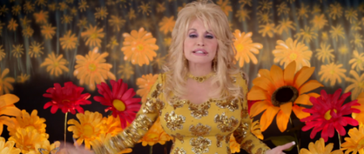 Dolly Parton Shows The Divas How It's Done!