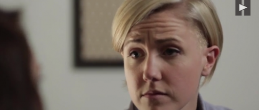 Hannah Hart: How To Ask A Girl If She's A Lesbian (VIDEO)