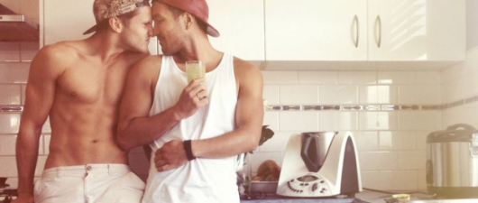 Gay Dating Advice: Who Pops The Question – Top Or Bottom?
