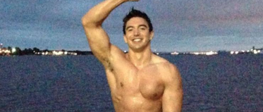 Steve Grand Puts Nude Spin On Ice Bucket Challenge!