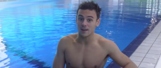 Tom Daley: Watch Him Try Synchronized Swimming In His Sexy Little Speedo